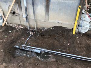 井戸からの給水管03